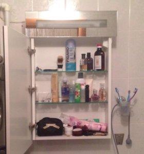 Навесной шкафчик-зеркало в ванную комнату