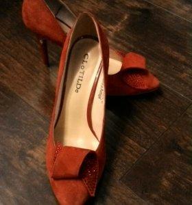 туфли нат.замша, фирма clotilde, 38