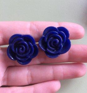 Серьги синие розы