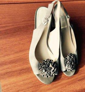 Босоножки на каблуке 34 размер