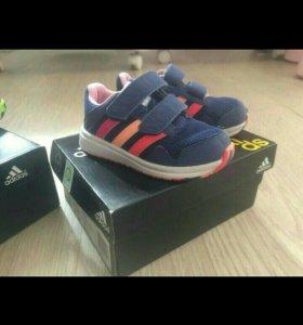 Adidas кроссовки 22