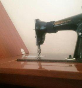 Швейная машинка зингер 2шт. (прямострочная )