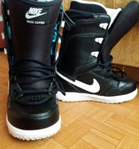 Сноубордические ботинки Nike