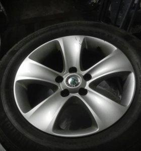 Колеса лето Skoda Yeti 215/60 R16 continental