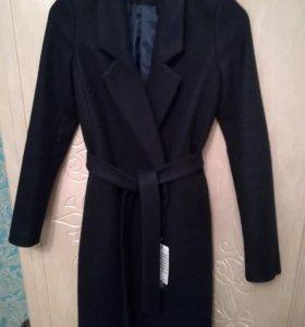 Шерстяное новое демисезонное пальто