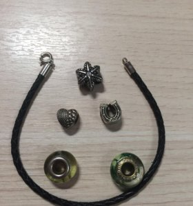 Кожаный браслет+шармы