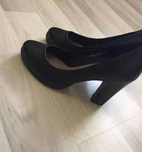 Кожаные туфли лодочки 37рр