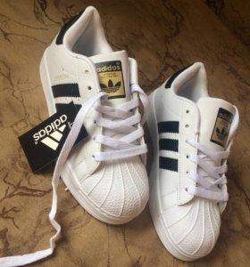 Кроссовки Adidas classic