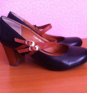Туфли кожаные практически новые