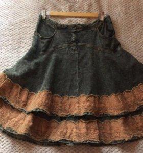Джинсовая юбка с кружевами