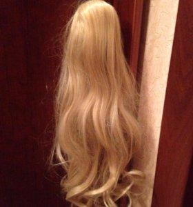 Волосы (хвост) на заколке