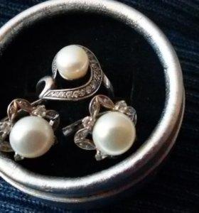 Кольцо серебряное р. 17,5 + серьги с жемчугом