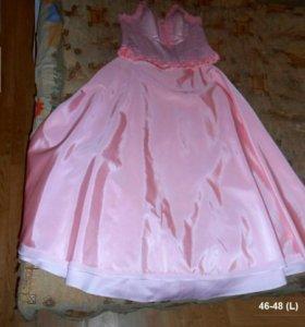 Розовое платье красивое нарядное