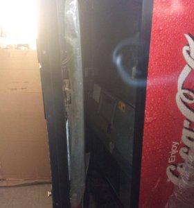 Напольный автомат Coca-Cola
