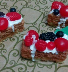 Мыло торт с ягодами