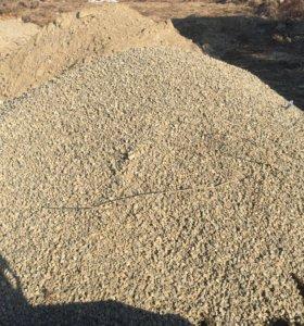 Песок , пескогравий,земля, щебень,отсев , опилки