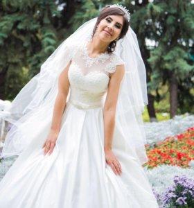 Свадебное платье, диадема , подъюбник