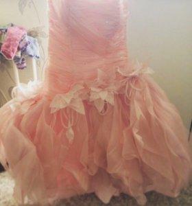 Коктейльное праздничное платье