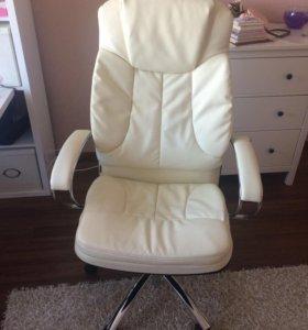 Абсолютно новое офисное кресло
