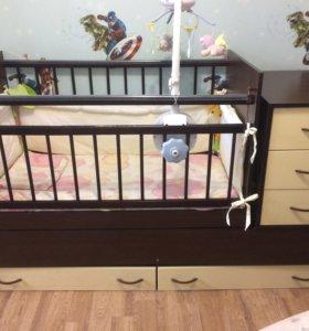 Продам детскую кроватку-трансформер с матрасом.