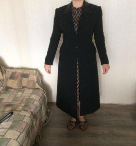 Плащ-пальто женское,размер 44-46.