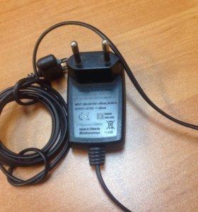 Зарядное устройство Sony Ericsson