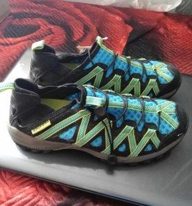 Кроссовки-тапки новые