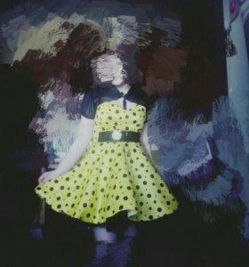 Платье с накидкой.Покупали в свадебном салоне