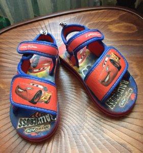 Детская резиновая обувь на липучках новые