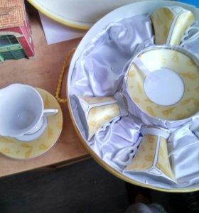 Набор кофейных чашек в подарочной упаковке.