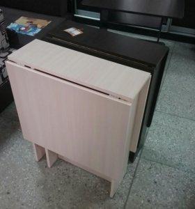 Компактный кухонный стол
