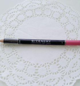 Новый карандаш для губ GIVENCHY.