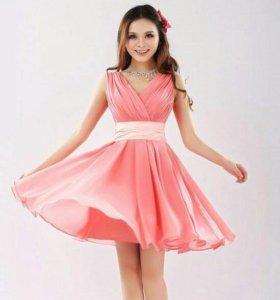 Платье новое 44 размера