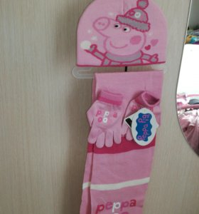 Шапка,перчатки,шарф комплект