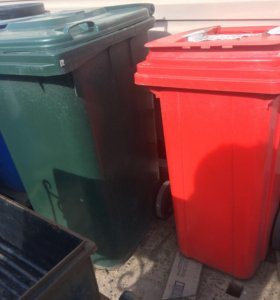 Баки мусорные на колесиках в ассортименте
