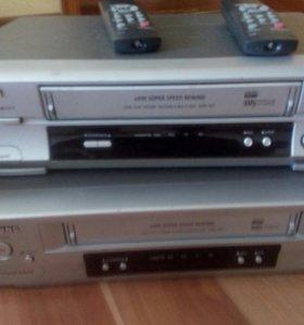 Два видео магнитофонах