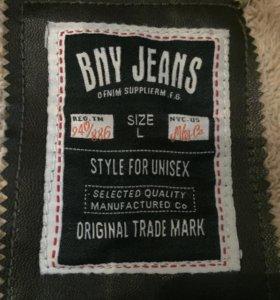 Продам джинсовую куртку !