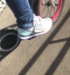 Новые кроссовки NB