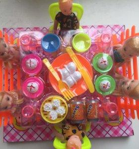 Набор кукол с мебелью и посудой новый