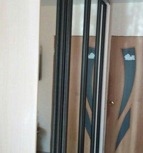 Шкаф-купе 4-х дверный с угловым терминалом