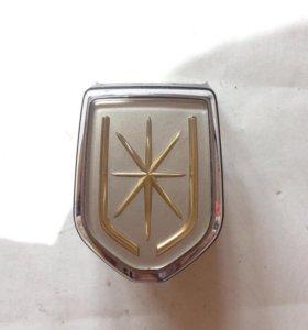 Значок на решетку радиатора