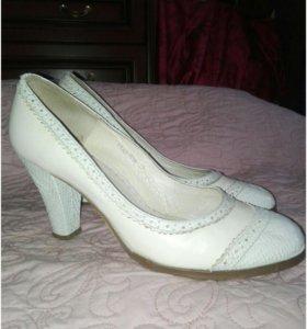 39 р-р Кожаные туфли Alibi
