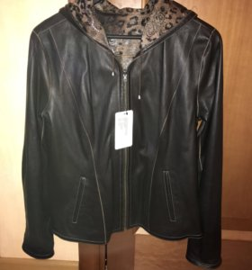 Новая кожаная куртка р. 48