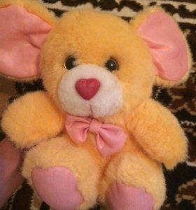 Детская игрушка медвежонок