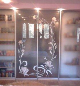 Стекла, зеркала, стеклянные перегородки с рисунком
