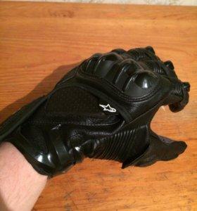 Новые перчатки Alpinestars