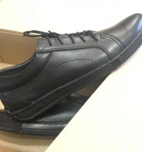 Новая мужская обувь из натуральной кожи