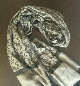 Платок-шарфик симпатичный б/у