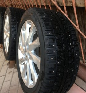 Шины Dunlop SP Winter ICE 01 215/50R17
