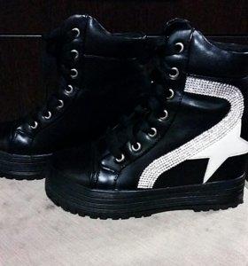 ботинки новые 36 р